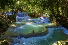 Красивый водопад Kuang Si в Лаосе Стоковое фото RF