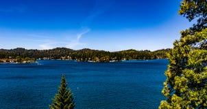 Красивый, воздушный, панорама трутня наконечника озера стоковое изображение