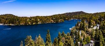 Красивый, воздушный, панорама трутня наконечника озера стоковые изображения