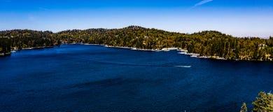 Красивый, воздушный, панорама трутня наконечника озера стоковая фотография rf