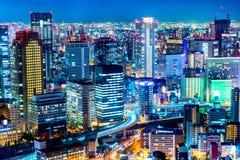 Красивый воздушный взгляд ночи городского пейзажа Осака, Японии Стоковые Изображения