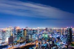 Красивый воздушный взгляд ночи городского пейзажа Осака, Японии Стоковое Изображение RF