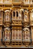 Красивый дворец Haveli ki Patwon сделанный из золотого известняка i Стоковое Фото