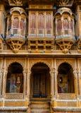 Красивый дворец Haveli ki Patwon сделанный из золотого известняка i Стоковые Фотографии RF