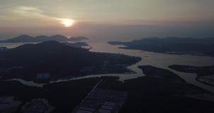 Красивый восход солнца вида с воздуха Lumut Малайзии рано утром видеоматериал