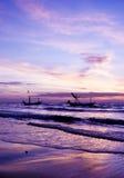 Красивый восход солнца и корабль моря. Стоковое Изображение