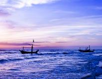 Красивый восход солнца и корабль моря. Стоковая Фотография RF
