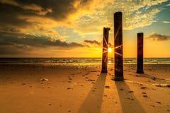 Красивый восход солнца и поляк на aru Tanjung приставают к берегу, Labuan Малайзия Стоковое Изображение RF