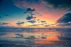 Красивый восход солнца на пляже какао, Флориде Стоковое Изображение RF