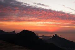 Красивый восход солнца осмотренный от Pedra Bonita, Рио-де-Жанейро, Braz Стоковые Фотографии RF