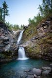 Красивый водопад горы стоковая фотография rf