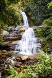 Красивый водопад расположенный в chiangmai Inthanon doi, Таиланде Стоковое Фото