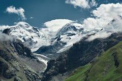Красивый высокогорный ландшафт с путем горы, швейцарец Альпы, Европа Стоковое Изображение RF