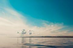 Красивый горизонт и небо моря вечера seascape Стоковая Фотография RF