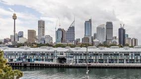 Красивый горизонт центрального Сиднея, Австралии, увиденной от парка Embarkation стоковое фото