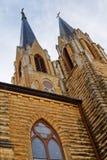 Красивый готический подъем высокое I Steeples церков стиля Стоковое Изображение