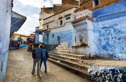 Красивый голубой medina Chefchaouen в Марокко Стоковое фото RF