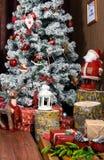 Красивый дизайн интерьера рождества Взгляд со стороны украшенного Chri Стоковое Фото