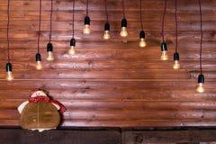 Красивый дизайн интерьера рождества Деревянная стена с промышленным Стоковое Фото