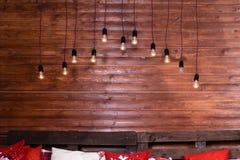 Красивый дизайн интерьера рождества Деревянная стена с промышленным Стоковое Изображение