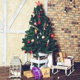Красивый дизайн интерьера рождества Дом украшенный с Christm Стоковое Фото
