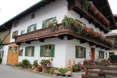 Красивый дом в деревне Wörgl в Австрии Стоковая Фотография RF