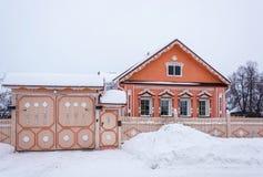 Красивый дом с деревянным резным изображением 17-ое февраля 2018 в VI Стоковое Фото