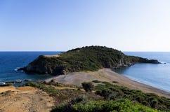 Красивый дезертированный пляж в Chalkidiki, Греции Стоковые Фотографии RF