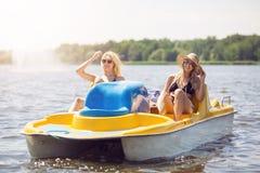Красивый день на озере Стоковое фото RF