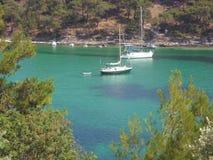 Красивый залив Aliki на острове Thasos - Греции стоковая фотография