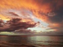 Красивый заход солнца в карибском море Стоковая Фотография RF