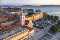 Красивый заход солнца над старым городком Zadar Стоковая Фотография