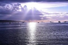 Красивый заход солнца на английском заливе Ванкувере стоковые изображения rf