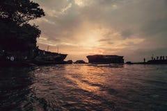 Красивый заход солнца на виске серии Tanah стоковые изображения