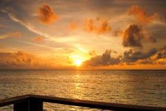 Красивый заход солнца в Мальдивах Стоковое Фото