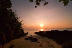 Красивый заход солнца на архипелаге Karimunjawa Стоковое Изображение