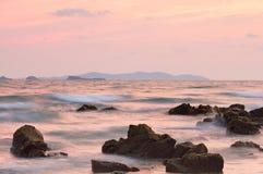 Красивый заход солнца над морем в Rayong Стоковые Изображения RF