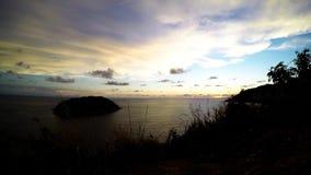 Красивый заход солнца на острове Пхукета акции видеоматериалы