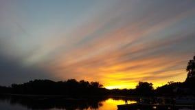 Красивый заход солнца реки Миссисипи Стоковое Изображение RF