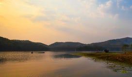Красивый заход солнца реки Стоковые Изображения RF