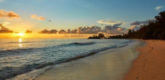 Красивый заход солнца с трассировками песка Стоковая Фотография RF