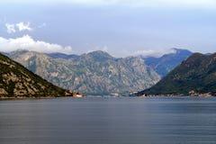 Красивый залив Kotor ландшафта, Boka Kotorska, Черногория, Европа Стоковое Изображение