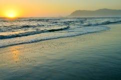 Красивый золотой заход солнца стоковые фотографии rf