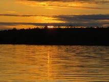 Красивый золотой заход солнца Стоковая Фотография RF
