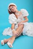 Красивый имбирь в платье ферзя снега стоковые изображения