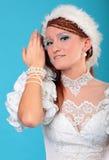 Красивый имбирь в платье ферзя снежка Стоковые Изображения RF