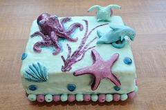 Красивый именниный пирог в украшении подводной лодки Стоковая Фотография RF