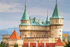 Красивый и известный замок Bojnice в Словакии Стоковые Изображения