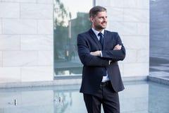 Красивый и уверенно бизнесмен Стоковые Фотографии RF