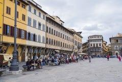 Красивый квадрат Santa Croce в городе Флоренса - ФЛОРЕНСА/ИТАЛИИ - 12-ое сентября 2017 стоковые фото